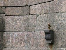 Памятник чижику-пыжику, который на Фонтанке водку пил.