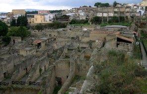 Откопанные от пепла развалины Геркуланума. Casa dell' Albergo.