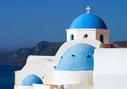 Бело-синяя церковь Ии.