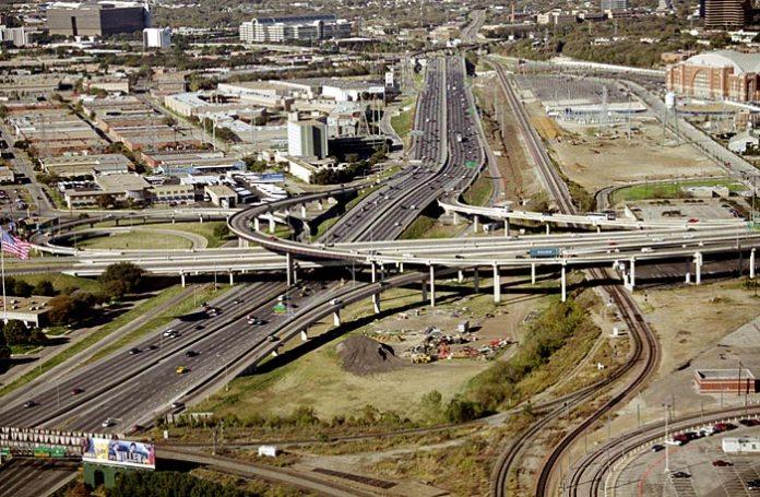Многоэтажные дорожные развязки Далласа.