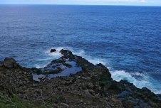 Olivine pools на берегу океана.