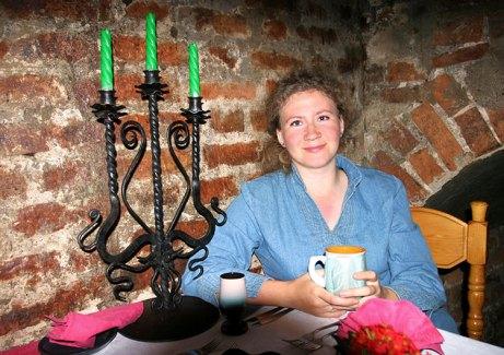 """В ресторане """"Детинец"""" в Покровской башне Кремля. Великий Новгород."""