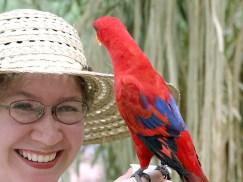 Дама с попугаем.