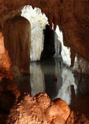 Подземное озеро. Carlsbad Caverns National Park.