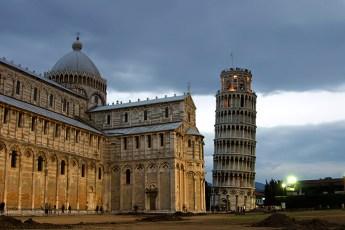 Поле чудес (Campo dei Miracoli): Duomo и Пизанская Башня. Пиза.