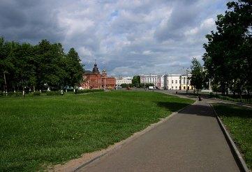 Площадь перед Успенским собором. Владимир.