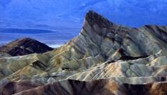 "Zabriskie point. Каменный выступ Manly beacon - ""путеводная звезда""."