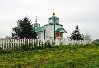 Небольшая церковь в деревне Нинильчик.