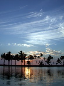 Пляж 'Anaeho'omalu - рай для фотографа закатов.