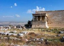 Портик кариатид храма Эрехтейона. Акрополь.