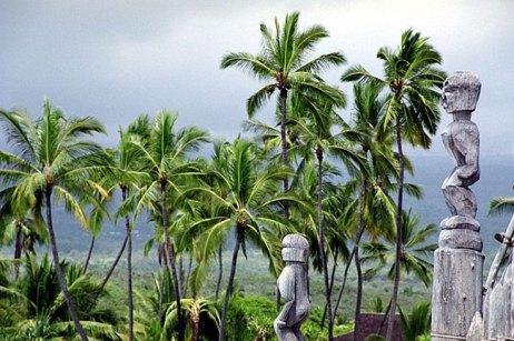 Убежище Pu'uhonua o Honaunau, где древние гавайцы замаливали свои грехи.