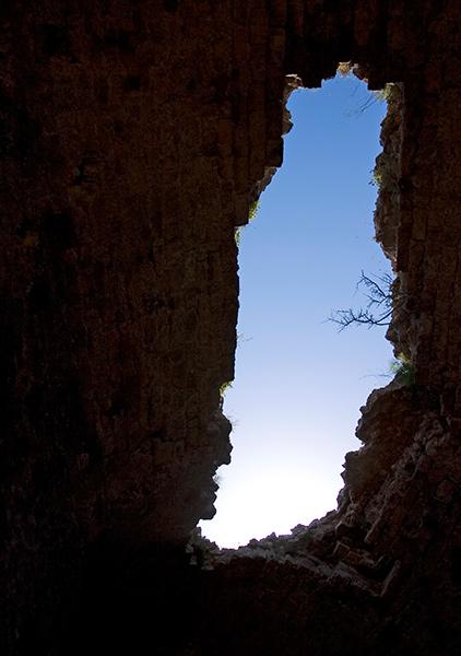 Провал в крыше замка Chlemoutsi.