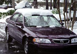"""Катина """"Mazda"""", и первый снег в Мемфисе. Январь, 2002 год."""