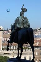 Виктор Эммануэль и воздушный шар.