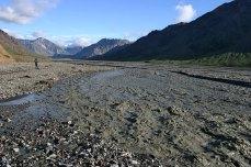Разливающаяся Toklat river.