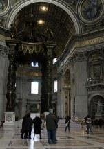Алтарь над гробом Св. Петра.