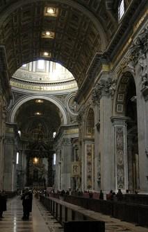 Внутри собора Св. Петра.