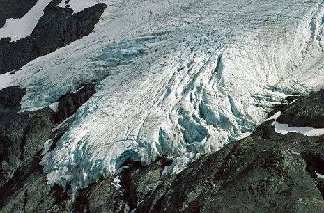 Один из верхних языков ледника Exit Glacier.