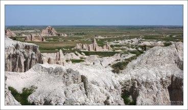 Долина с останками песчаных скал.