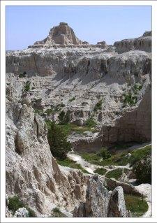Тропа Notch Trail, проходящая по дну каньона.