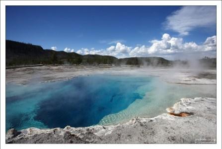 Цвет воды в Sapphire Pool напоминает восточные сапфиры.
