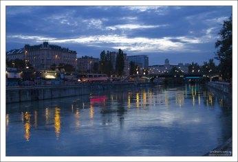 Вечерний Дунайский канал.