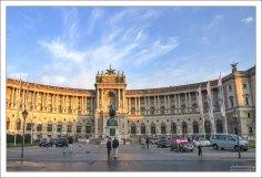 Центральное крыло дворца Хофбург.