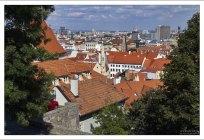 Вид на Старый город с прилегающими новыми кварталами и на окрестности города.