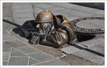 Памятник сантехнику Чумилу.