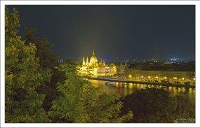 Ночной Дунай и здание Парламента с высоты Будайской крепости.