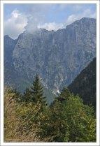 Словенцы верят, что три пика Триглава – это стражи воды, воздуха, и земли.