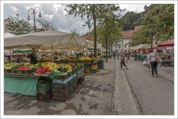 Городская рыночная площадь - Tržnica.