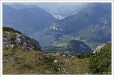 """Озеро Hallstätter See с высоты площадки """"Пять пальцев""""."""