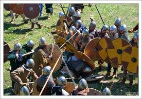 Ранения воинов во время состязаний – обычное дело, мочилово происходит на полном серьезе.