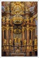 Небесные покровители монастырской церкви - святые апостолы Петр и Павел.