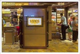 """Бар и магазин """"Vines""""."""