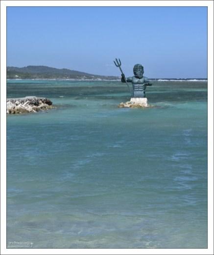 Статуя Нептуну.