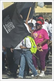 Процессия является второй в своем роде и направлена на повышение осведомленности о последствиях преступности и насилия в городе.