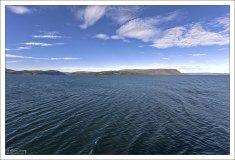 Остров Flatey на горизонте.