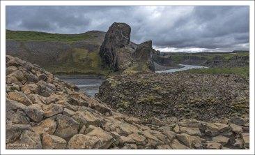 Jökulsá - вторая по длине река Исландии, протяженностью 206 км.