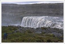 Король исландских водопадов - могучий Деттифосс.