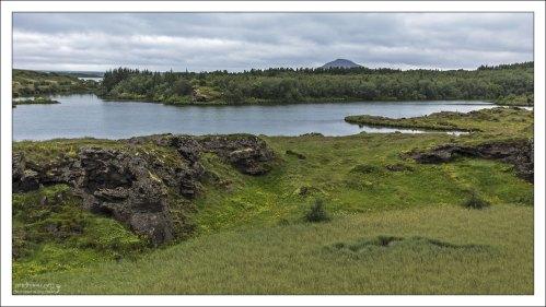 Полуостров Höfði в озере Миватн.
