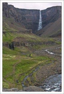 Хенгифосс – это третий по высоте водопад в Исландии (128 м), расположенный на самом востоке страны.