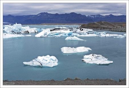 Лагуна — самая низкая точка Исландии, её дно на 200 метров ниже уровня моря.