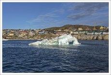Чтобы огромному куску льда, отколовшемуся от ледника, проделать путь в 40 км от конца фьорда до выхода в залив Диско требуется 12—15 месяцев.