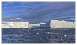 Айсберги столообразной формы.