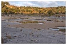 На этих землях в начале 19-го века постоянно воевали племена индейцев Команчи и Апачи.