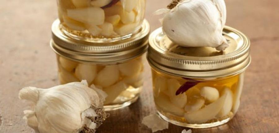 Numeroasele beneficii ale usturoiului fermentat si cum sa il prepari. Toate detaliile aici