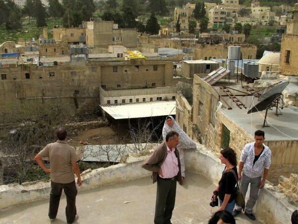 Domenica a Hebron, tra la desolazione del suk e i patriarchi