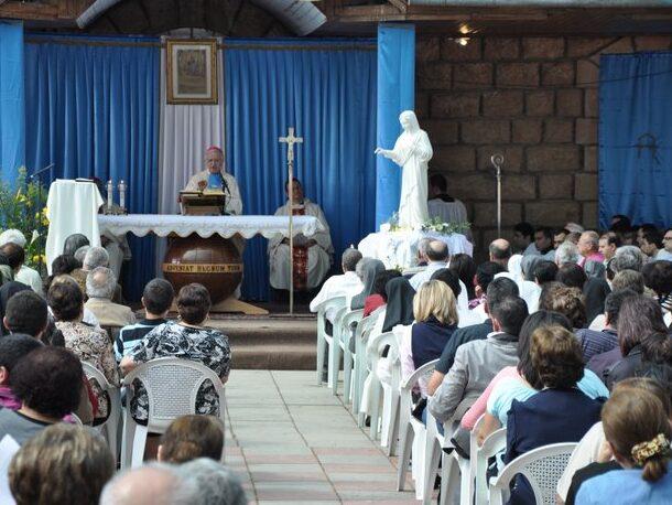 Radunati a Deir Rafat da Maria Regina!